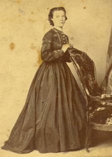 Dating Ancestor Photos Through Clothing And Hairstyles